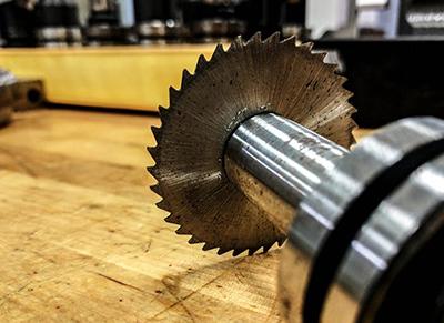 أدوات جزء الآلات