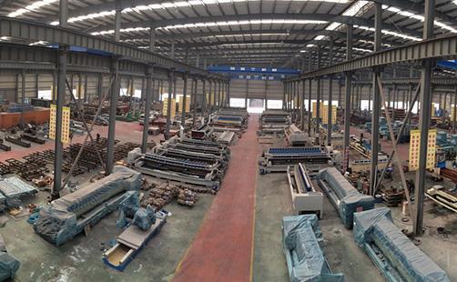 ورشة المصنع